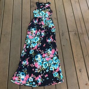 Dresses & Skirts - Sleeveless Floral Maxi w Pockets